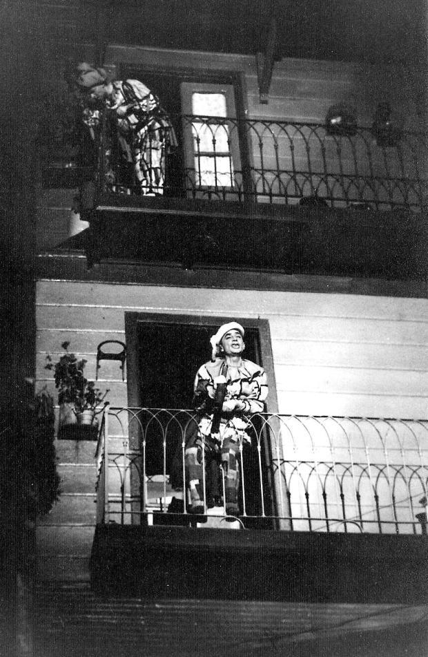 12-il-corvo-luz-balcon